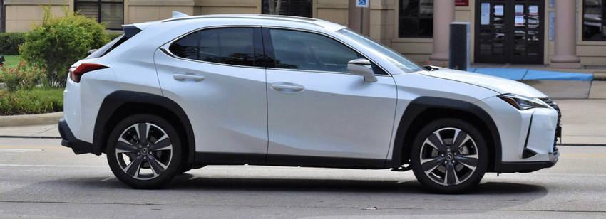 Lexus Suv White
